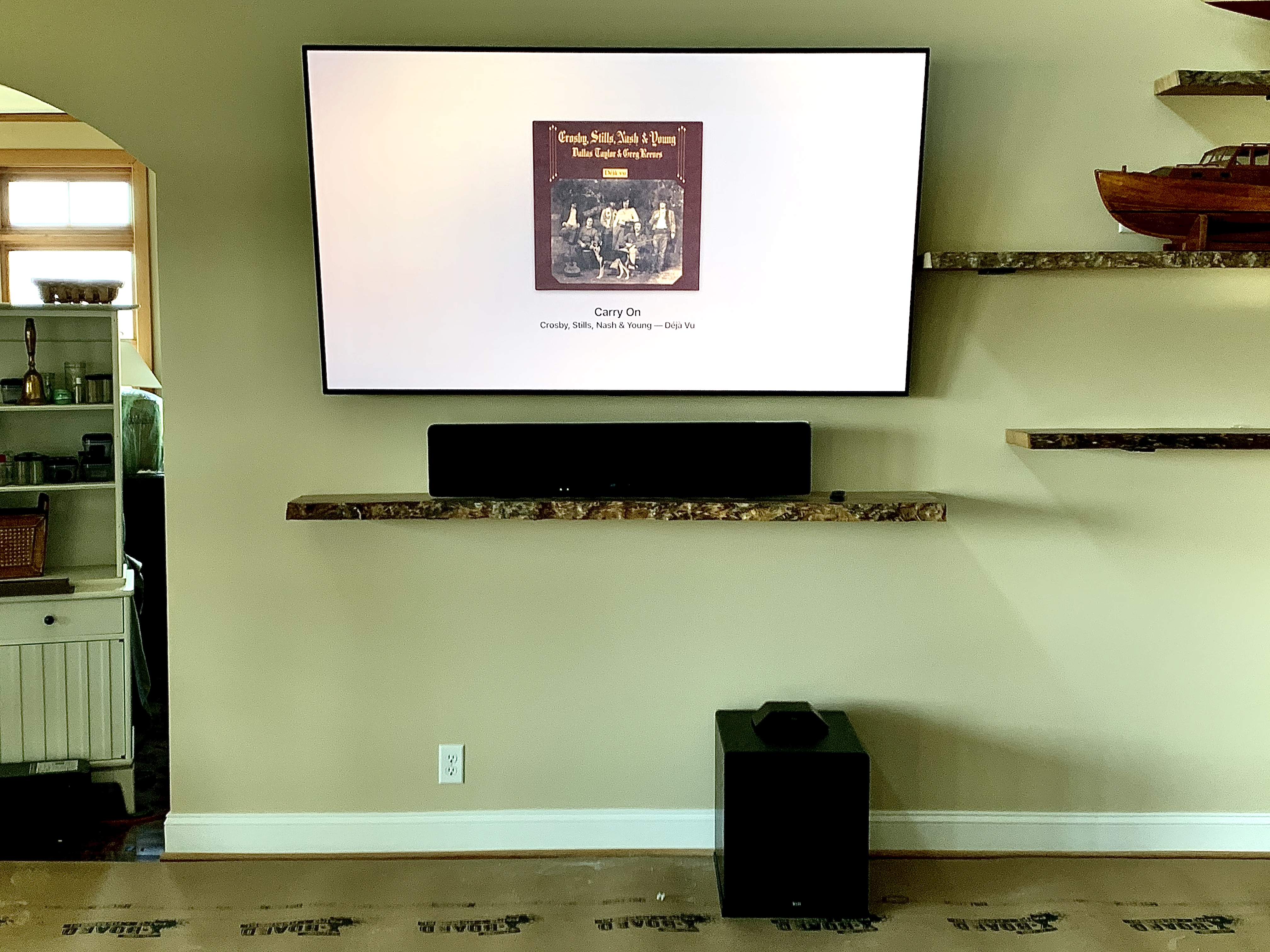 >Rob's system included a 77 inch LG OLED TV and a Yamaha YS5600 SoundBar.